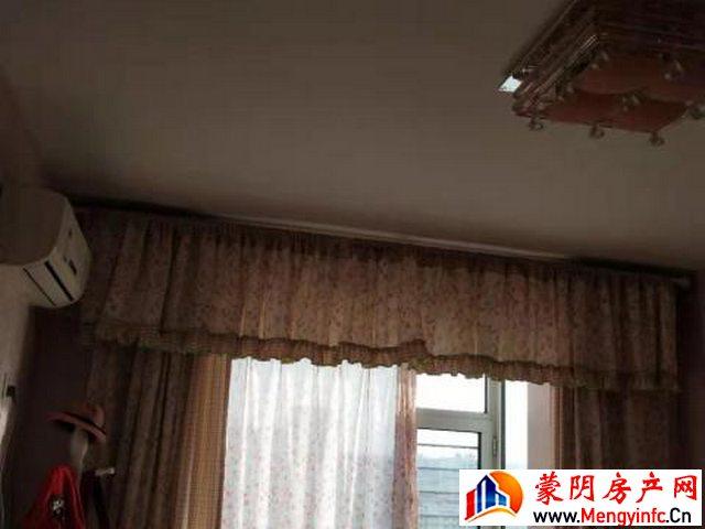 华润佳园 2室2厅 120平米 精装修 1800元/月