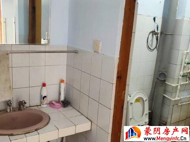新华小区 2室2厅 80平米 简单装修 1300元/月