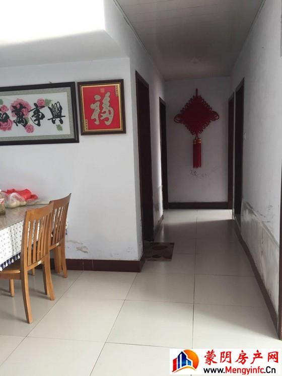 东蒙花苑小区 3室1厅 95平米 精装修 26万元